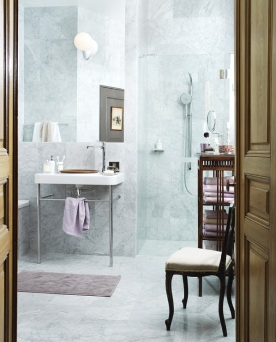 Calm And Cozy Bathroom Design Of Various Tints Of Marble