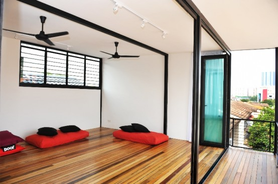 Calm minimalist house with natural details in kuala lumpur for Minimalist house design in malaysia