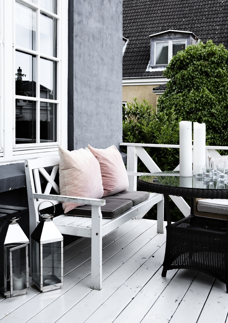 25 calm scandinavian terrace designs digsdigs for Terrace balcony