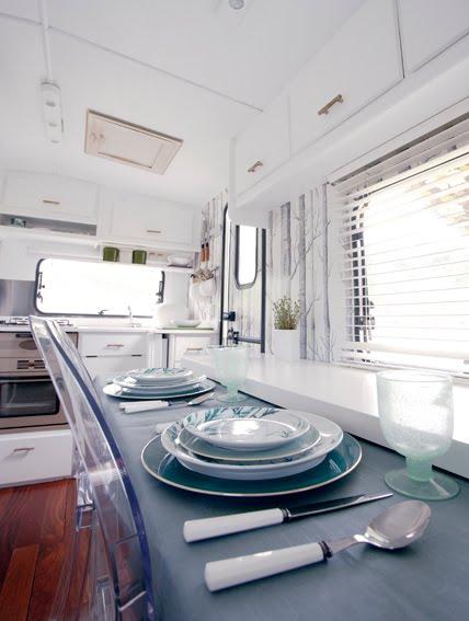 Super Cool and Practical Caravan Interior Design - DigsDigs