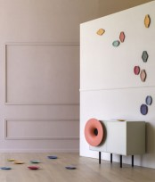 Caruso Music Cabinet With A High Definition Speaker Outfitted