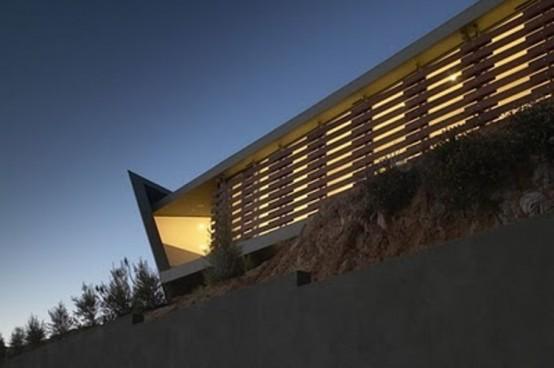 A Beautiful Glazed House With Wonderful Views