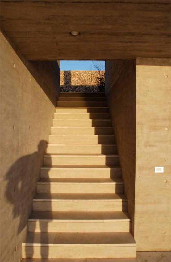 Home with Cool Courtyard – Casa en Huentelauquen by Izquerdo Lehmann