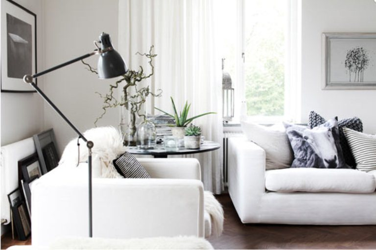 Casual nordic interior in black white and grey digsdigs for Black grey interior design