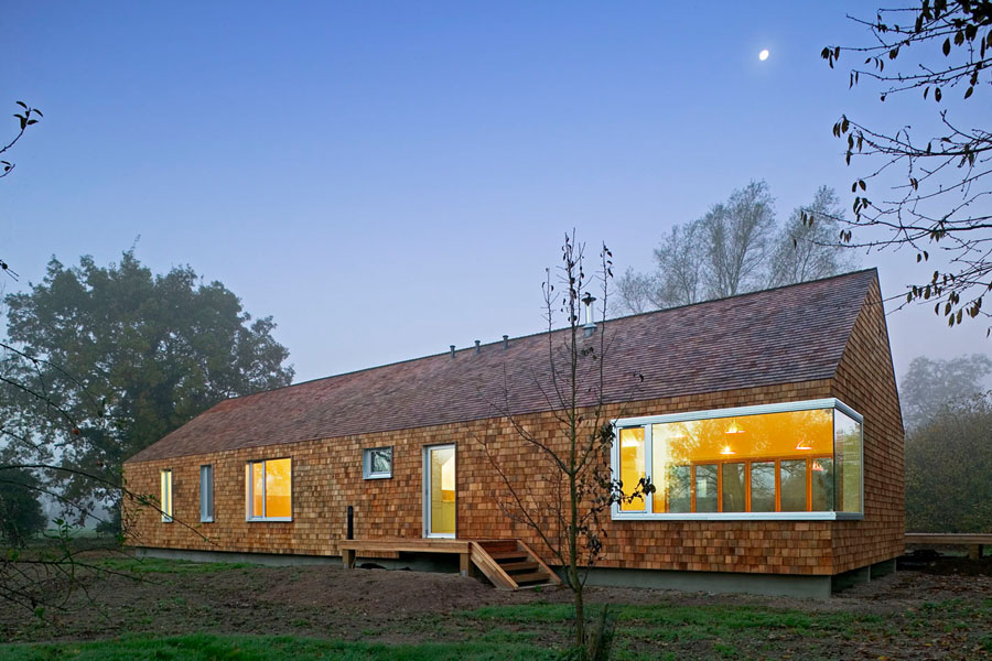Prefab Country Cedar House by Hudson Architects - DigsDigs