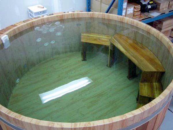 Natural Cedar Hot Tubs for Outdoors | DigsDigs