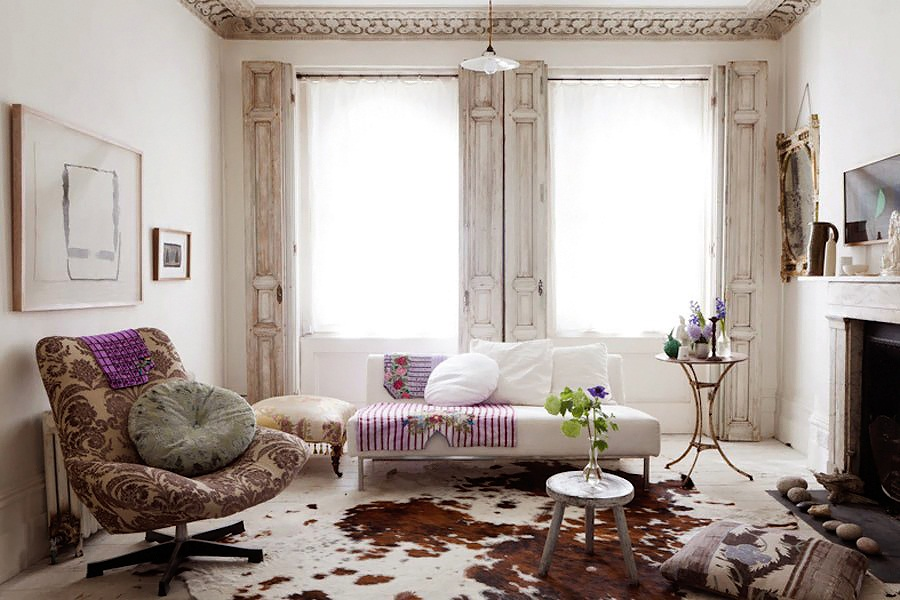 Charming shabby chic white house in london digsdigs for Trendy living room