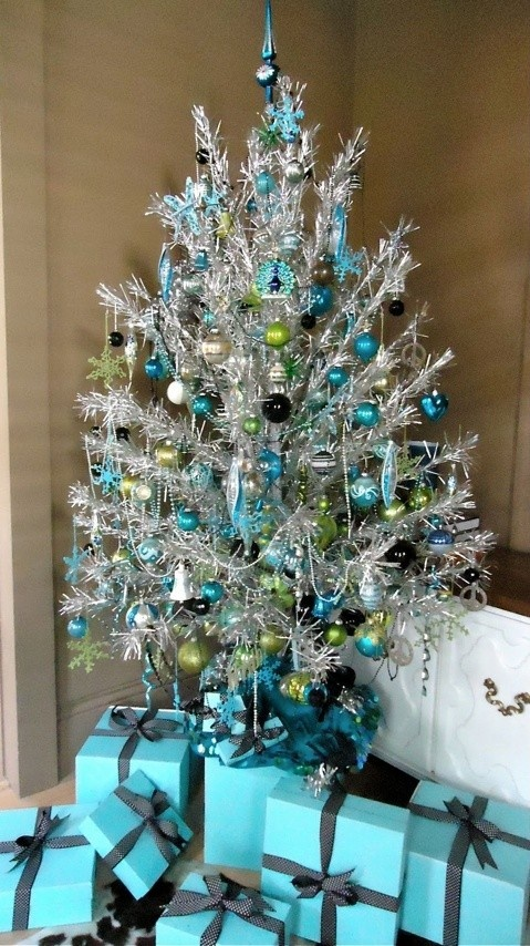 White christmas tree with blue and green decorations - photo#27