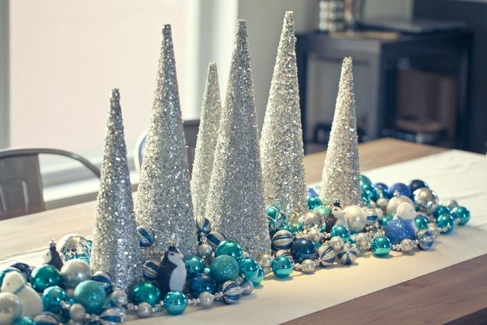 35 Silver And Blue Décor Ideas For Christmas And New Year  ~ 230157_Christmas Table Decoration Ideas Blue Silver