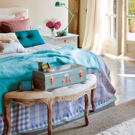 Charming vintage bedroom design with turqouise and pink - Turquoise and pink bedroom ...