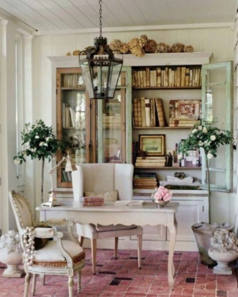 cool shabby chic home office decor | 45 Charming Vintage Home Offices | DigsDigs