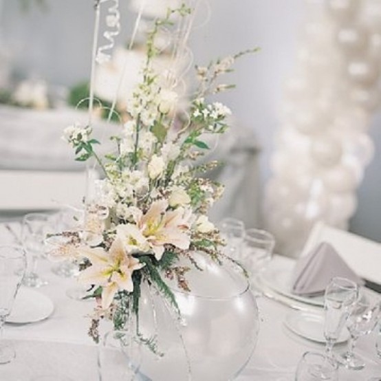 Winter Table Centerpiece : Charming winter centerpieces digsdigs
