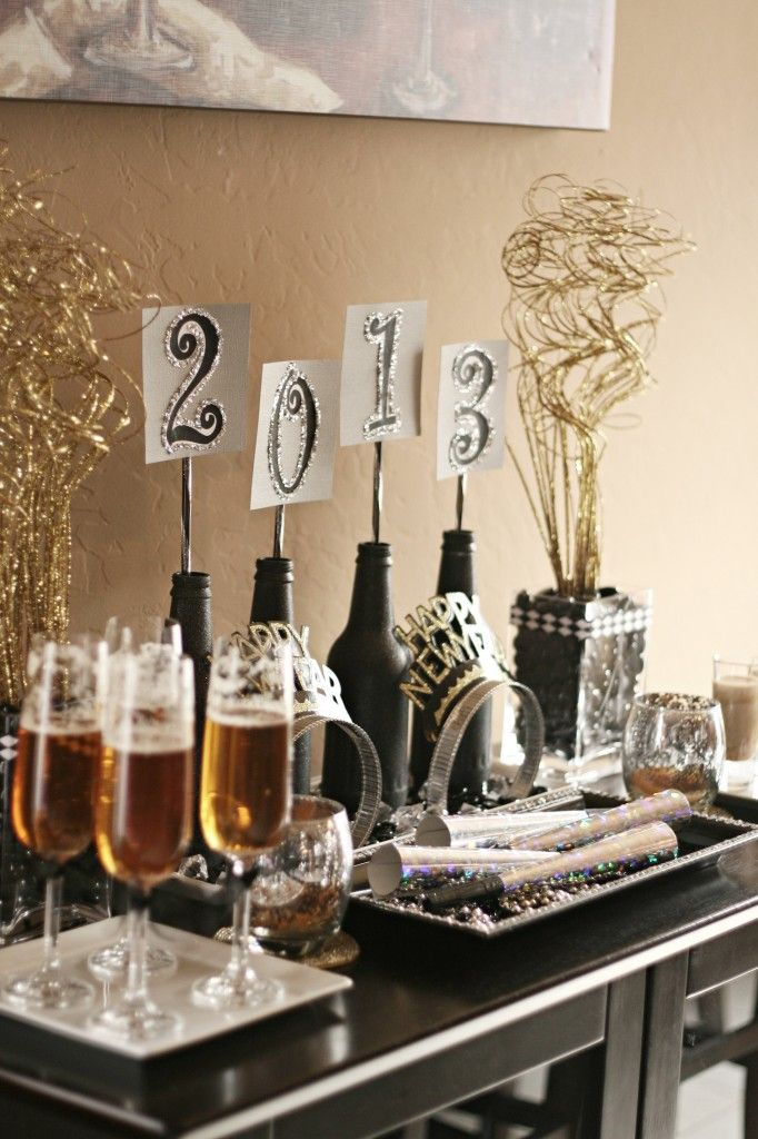 Cheerful New Year Party Decor Ideas