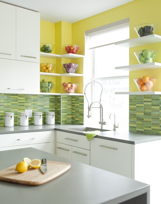 Cheerful summer interiors 50 green and yellow kitchen for Green and white kitchen designs