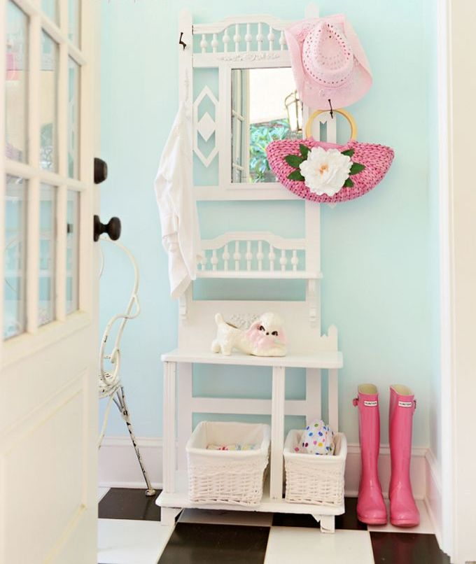 Picture Of chic and cute feminine entryway decor ideas  22