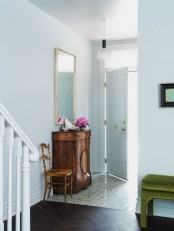 chic-and-cute-feminine-entryway-decor-ideas-23