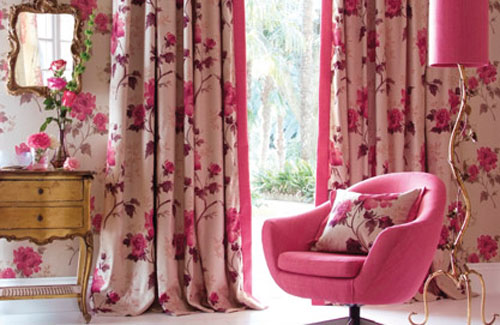 Chic Pink Living Room Design