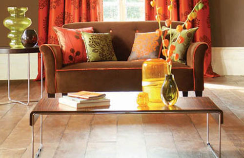 111 bright and colorful living room design ideas digsdigs for Orange and brown living room ideas