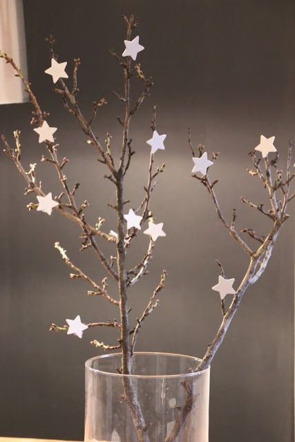 Christmas Decorating With Stars: 43 Gorgeous Ideas - DigsDigs