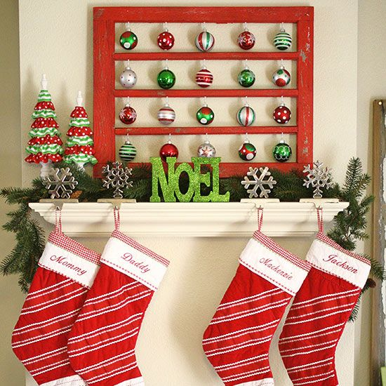 35 christmas d cor ideas in traditional red and green for Christmas home decorations pictures