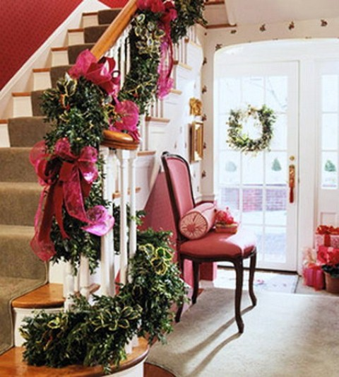 christmas stairs decoration ideas - Decorating Banisters For Christmas With Ribbon