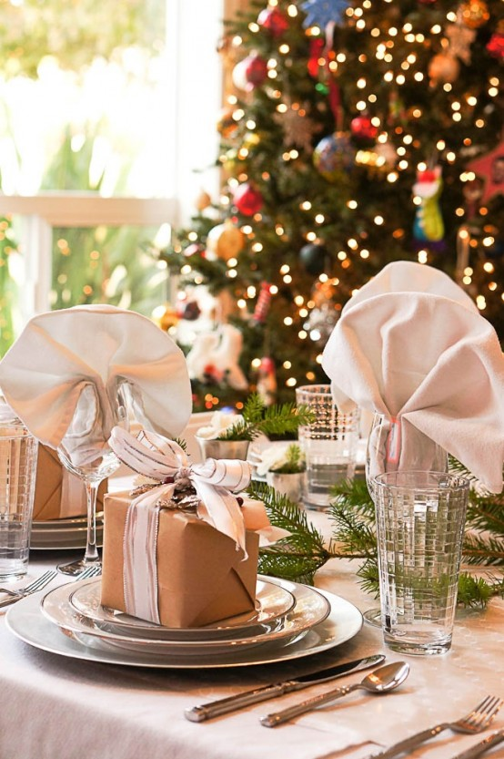 35 christmas table settings you gonna love digsdigs - Deco table noel chic ...