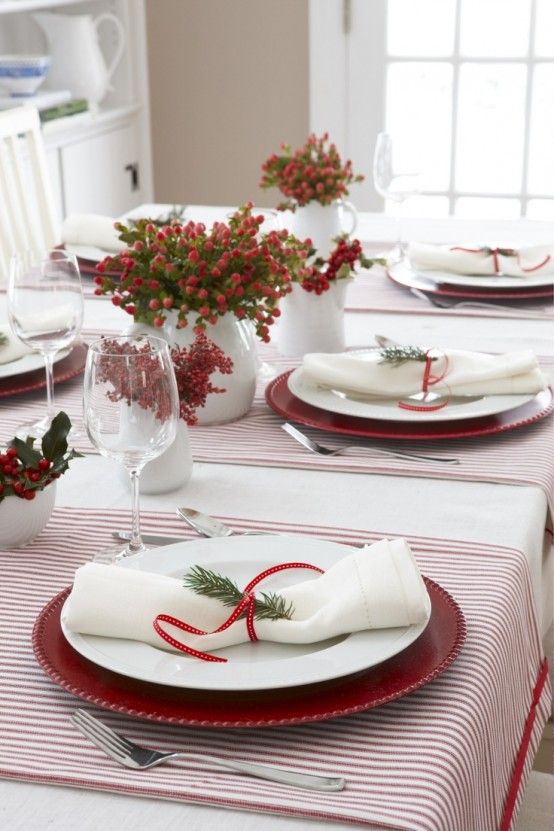 Christmas Table Settings You Gonna Love & 35 Christmas Table Settings You Gonna Love - DigsDigs