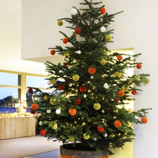 30 traditional and unusual christmas tree d cor ideas How to decorate a christmas tree without tinsel