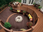 Circular Deck Perfect For A Large Party