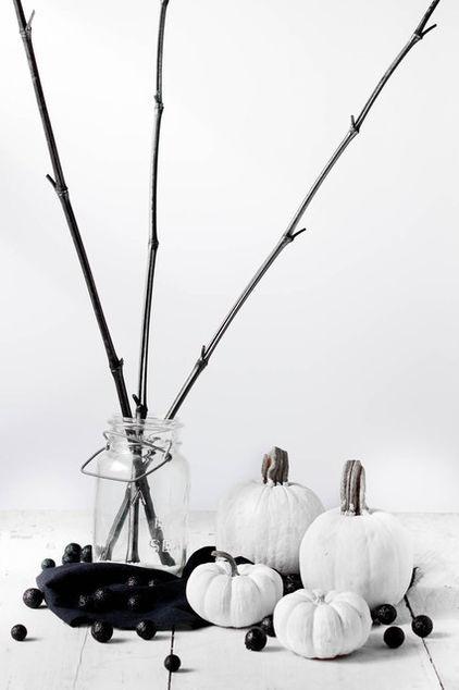 22 Classy Minimal Halloween Décor Ideas