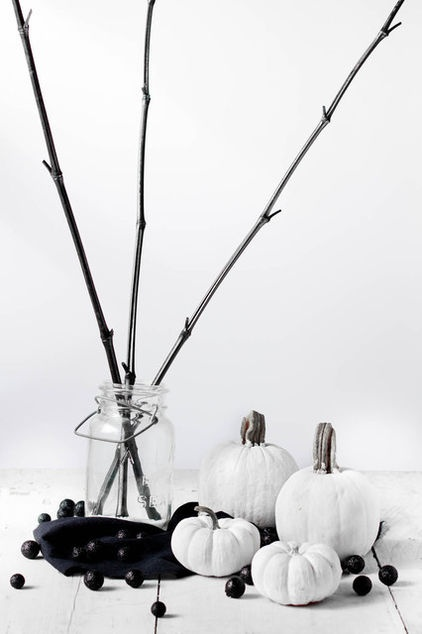 Classy Minimal Halloween Decor Ideas