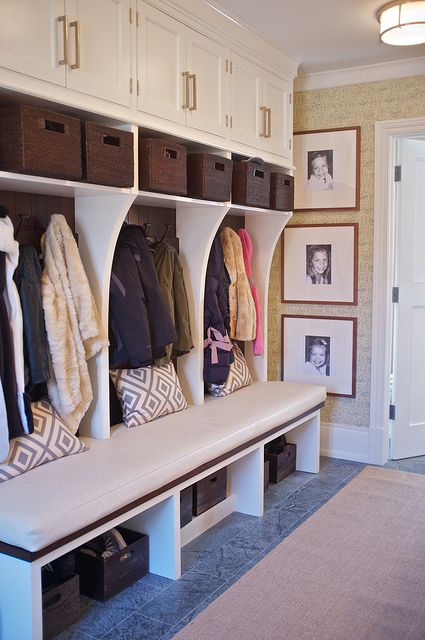 Foyer Storage Zone : Clever hallway storage ideas digsdigs