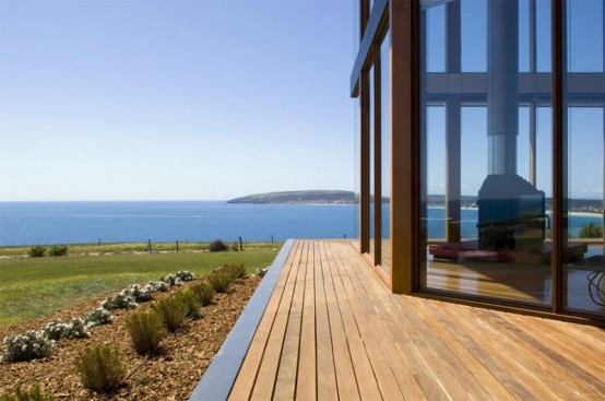 Coastal House Design With Rear Sheltered Courtyard