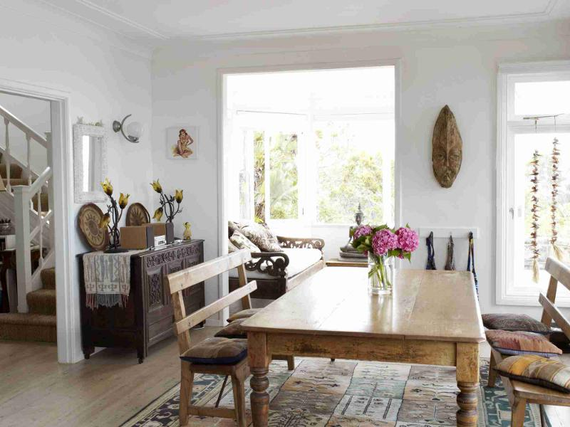 Coastal House With Traditional And Shabby Chic Elements