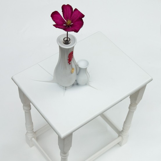 coffee table with buit in vases
