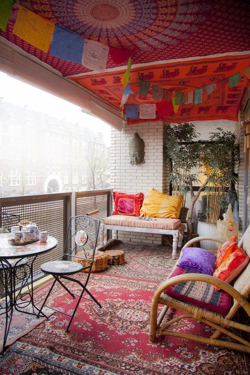 24 colorful boho chic balcony d cor ideas digsdigs. Black Bedroom Furniture Sets. Home Design Ideas