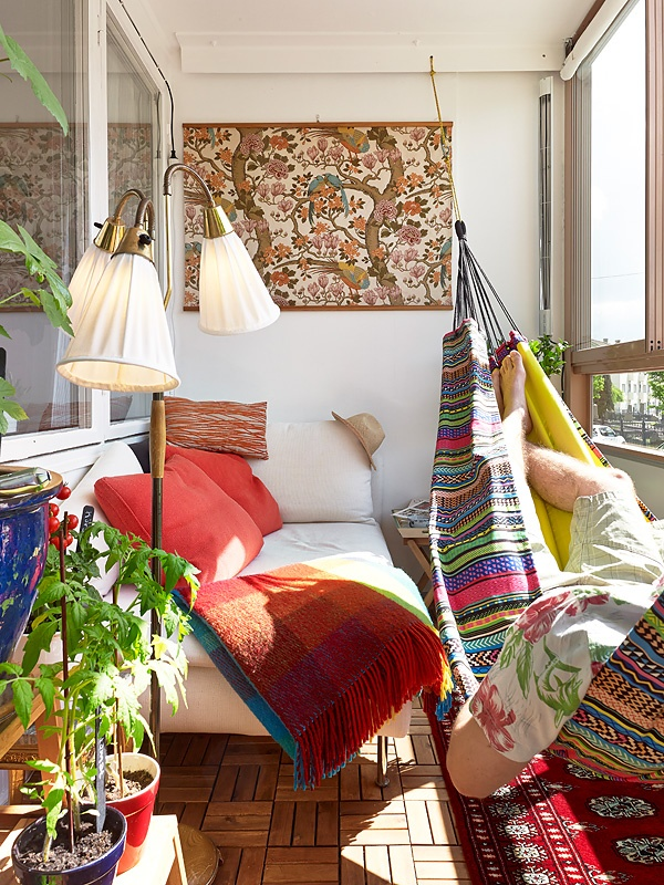 24 colorful boho chic balcony d cor ideas digsdigs for Wanddeko balkon