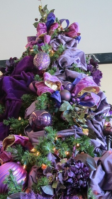 54 Colorful Christmas Inspiring Decor Ideas - 36 - Pelfind