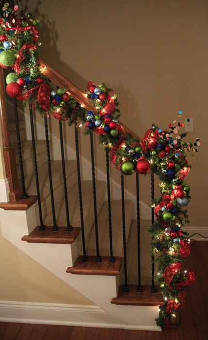 54 colorful christmas inspiring decor ideas digsdigs for Stair railing decorated for christmas