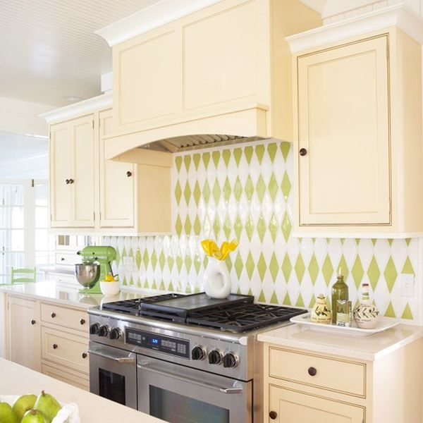 36 colorful and original kitchen backsplash ideas digsdigs for Kitchen ideas backsplash