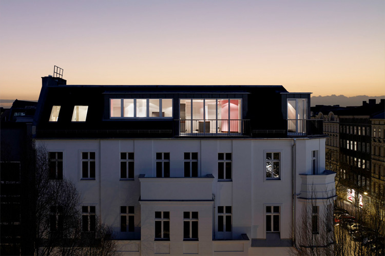 Colorful Loft Design with Unique Wall Structure – Stargarder Strasse by GRAFT