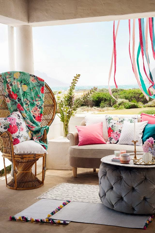 Colorful Mediterranean-Inspired H&M Outdoor Collection