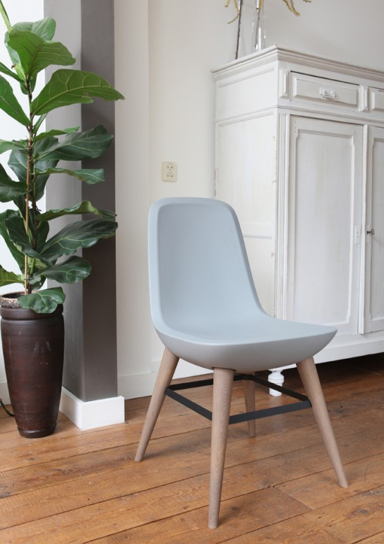 Comfortable Pebble Chair With Wooden Legs