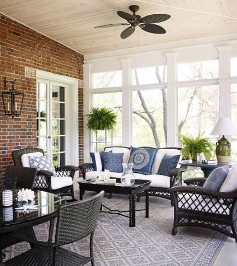 Beautiful Comfy And Relaxing Screened Patio Design Ideas