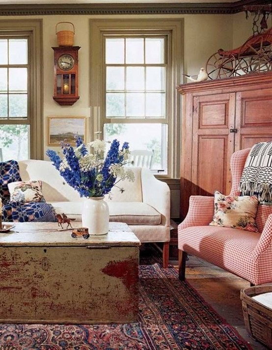45 comfy farmhouse living room designs to steal digsdigs - Beautiful antique living room ideas decorating tips ...