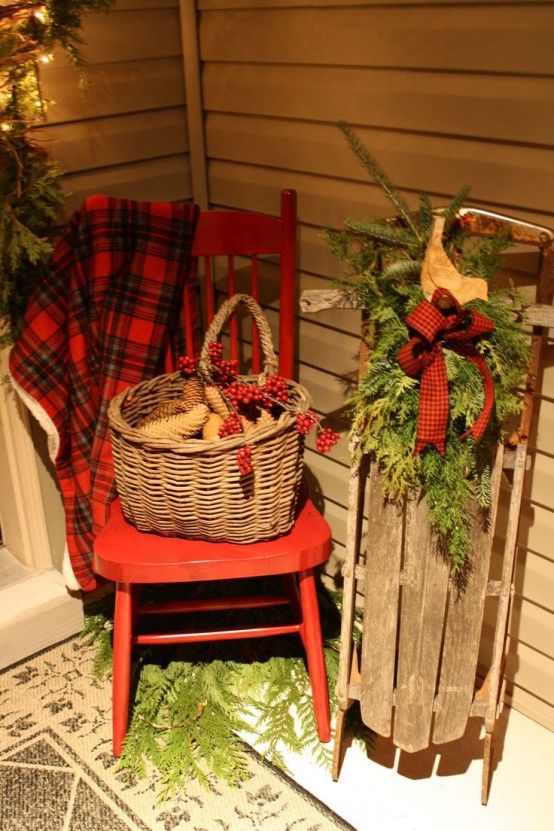 add wood carts with logs baskets felt bells rustic signs stars twig wreaths and an old sledge and voila get inspired by the pics below - Rustic Outdoor Christmas Decorations