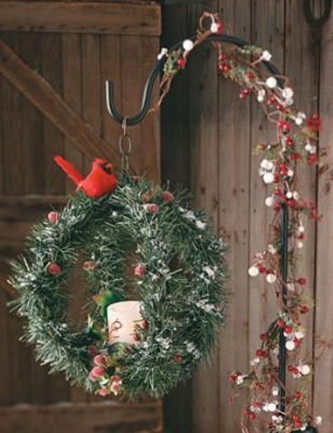 comfy rustic outdoor christmas decor ideas - Rustic Christmas Porch Decorating Ideas