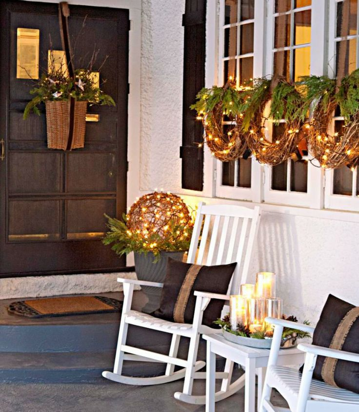 40 comfy rustic outdoor christmas d cor ideas digsdigs for Simple outside christmas lights ideas