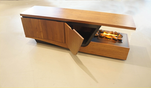 Compact Esquilino Fireplace With Built-In Storage