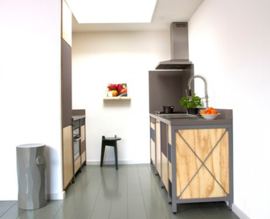 Constructive Kitchen With Industrial And Minimalist Touches